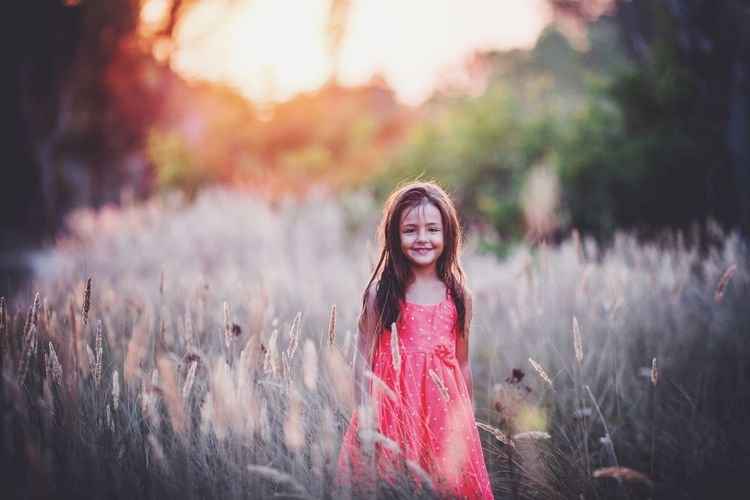 Faces of summer and some of my favourite models! Girl Happy Smile ✌ Backlit Nature Sunset Bokeh Children Photography Children Freedom Carefree Rural Dof Film Edit Lightroom Cc Photoshop www.pandevonium.com INEEDNATURE Learn & Shoot: Working To A Brief