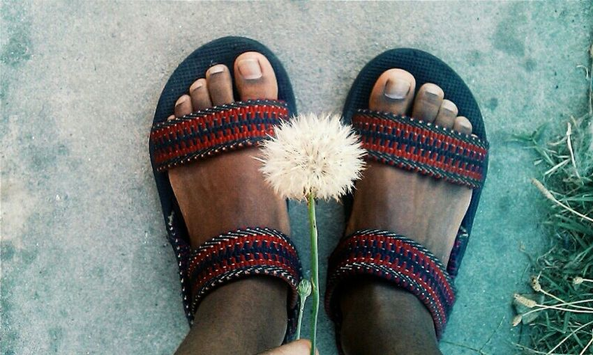 Dont worry be hippie Selfie ✌ Hippielife Hippie ✌ Shoegasm ShoePorn Dandylions