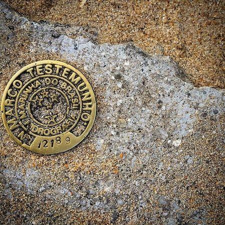 Relíquias de Ilha Grande. História cravada no chão.(acho que é isso). Bigisland Ilhagrande RJ Reliquiavelharia Reliquia Velharianãopara Velhariaskateboard Marinhadobrasil