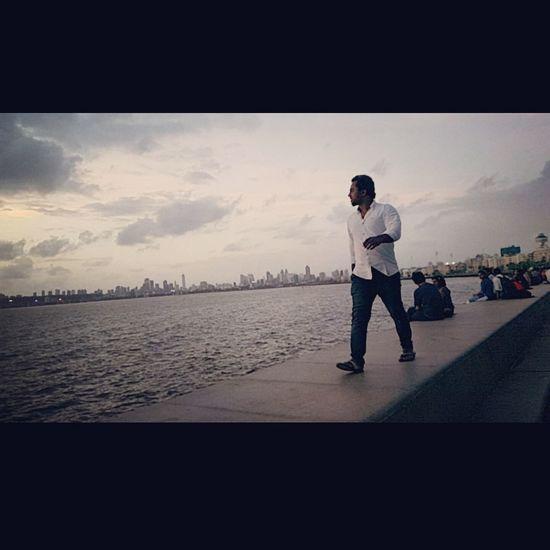MumbaiDiaries Mumbaimerijaan Awsmview Marinedrive Travel Photography Traveldiaries Me Walk This Way