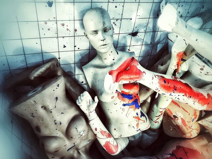 Model Dummy Dumy Blood Red Representation Indoors  Art And Craft Human Representation No People Still Life Creativity Close-up Doll Messy