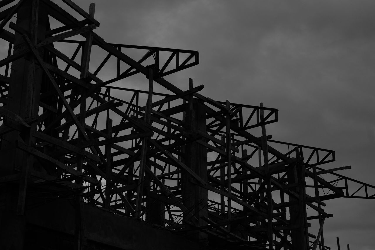 low angle view, sky, built structure, architecture, metal, outdoors, day, no people, cloud - sky, girder