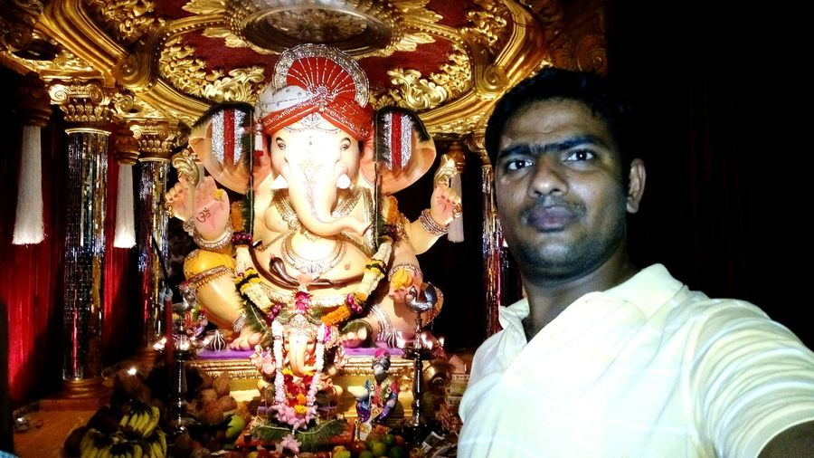 11day festival of lord ganesha Taking Photos