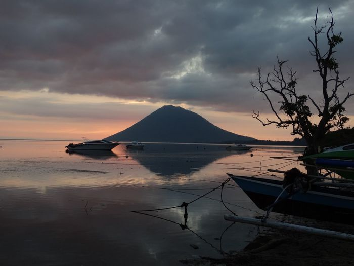 Sunset at Bunaken Island. Sunset_captures Sunset And Clouds  Sunset Boat Seaside Seascape Sea And Sky INDONESIA Bunaken Island