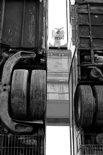 Berlin Photography Monoment Black And White Berlin Street Photography Political Statement Brandenburggate Brandenburger_Tor Political Street Art Monuments Manaf Halbouni Eyeemphotography Travel Destinations Bus Moment Street Photography Berlin Love Bnw_collection Bnw Noir Et Blanc Fine Art Photography Old Bus Modern Art Street Gallery Between
