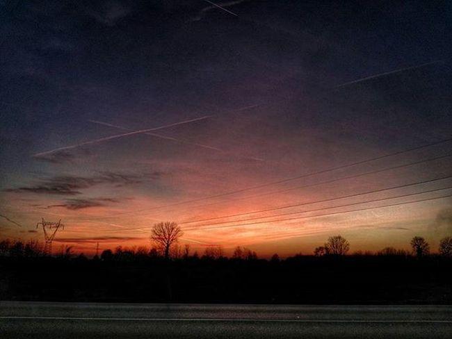 """""""Il cielo come una tela"""" Dusk Colors Trails Landscape HDR Ic_hdr Ic_landscapes"""