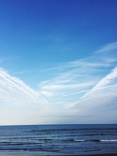 v字の雲😁✨☀️ 波乗り 空 Relaxing 青空 サーフィン 海 イマソラ 空パワー