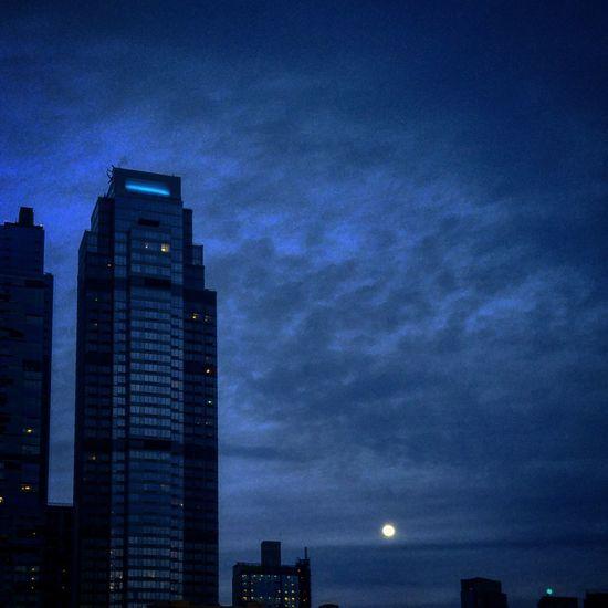 Night Illuminated Skyscraper Sky Moon Blue Cityscape Smartphonephotography Downtown Brooklyn