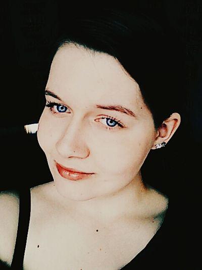 Taking Photos Selfie ✌ Girl Blue Eyes <3 Selfies That's Me Hello World Selfie ♥ Selfies! Hi!