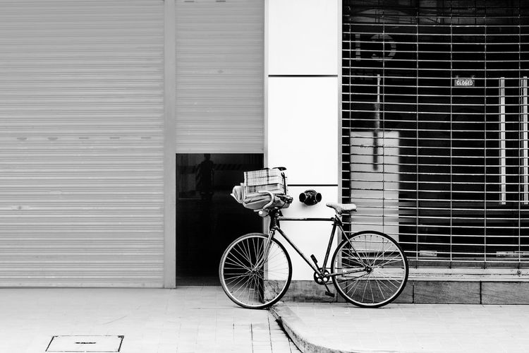 Architecture Bicycle Building Exterior Built Structure City Day EyeEm EyeEm Best Shots Land Vehicle Men Mode Of Transport One Person Outdoors Real People The Street Photographer - 2017 EyeEm Awards Transportation