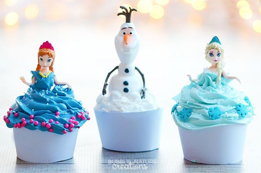 Frozen Lots Of Frosting Perfect Blue Olaf Snow Princess Anna Snowman Snow ❄ First Eyeem Photo