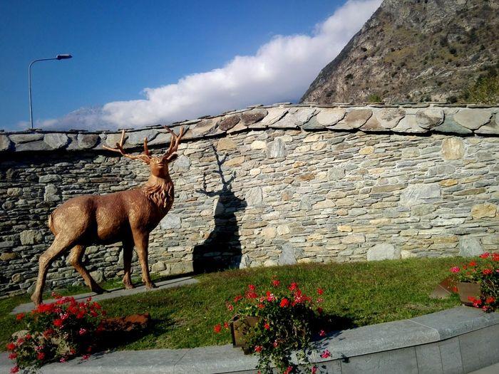 Cervo Flower Sky Statue Sculpture Sculpted Monument