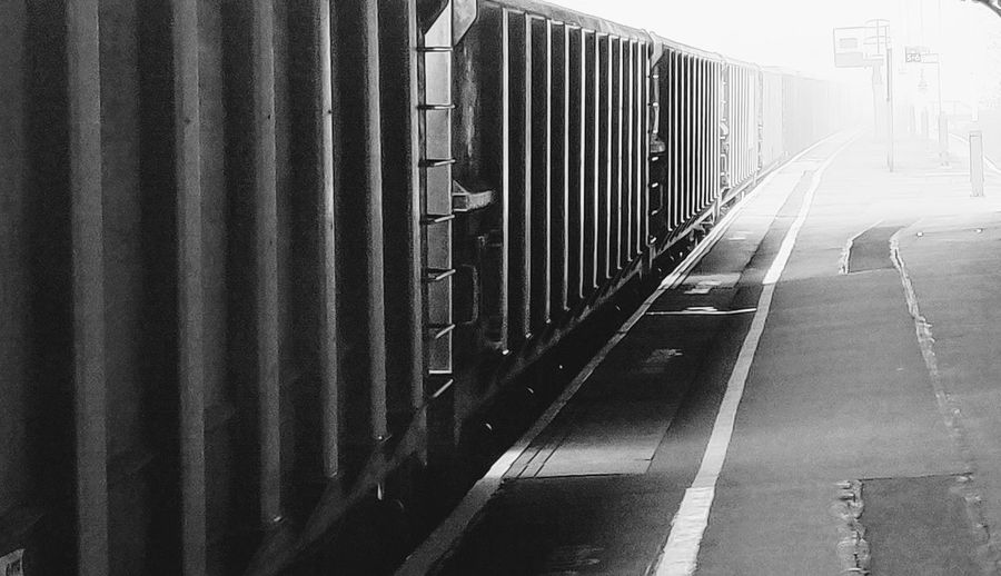 rail freight Photowalktheworld Foggy Morning Basingstoke, UK Mobilephotography Oneplus6 Foggy Train Station Blackandwhite Subway Train Railroad Station Platform Railroad Station Rail Transportation Railroad Track Train - Vehicle Railroad Platform