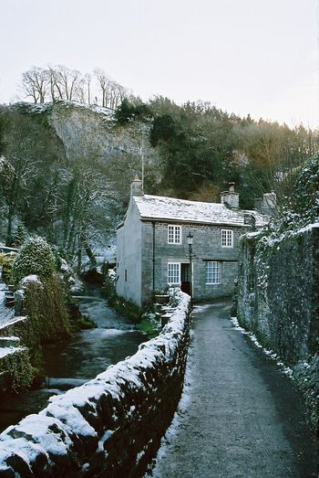Castleton Outdoors Nature Sky Building Exterior No People Day House Water EyEmReady Landscape Fieldscape Beauty In Nature Tranquil Scene Contax167mt CarlZeiss Nature Snow ❄ Snow Day Snowing Snow Covered Snow Winter Is Coming Winter