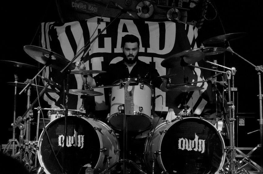 Vitaonatureza Victornatureza Arts Culture And Entertainment Rock Musician Luz Sombra Cobertura Show Drums Rock Music Pb Pretoebranco Blackandwhite Oudn