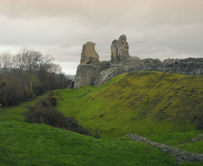 ... some of our strongholds were destroyed by enemies, and all of them - by time itself... Random Fortress Castle Stronghold Medieval Ruin Ruined Moody Britain руины замок Развалины Средневековье