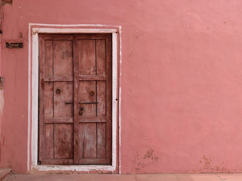 Old door Old Old-fashioned Door Locked Rusty Wall Pink Architecture Architecture_collection Heritage Sites Jaigarh Fort UNCaptured Unobserved Wallpaper Wall - Building Feature Magazine Design EyeEmNewHere EyeEm Best Shots Canon Canonphotography