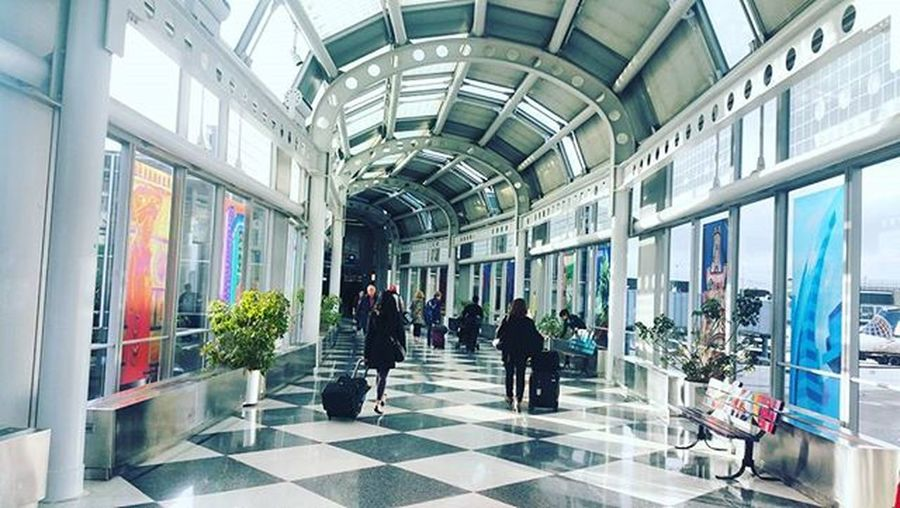 Chicago airport! Nice ArtWork Airport Photography Sochicago Chicago Chicagointernationalairport Beautiful Fancy Travel Traveler 30before30 Check