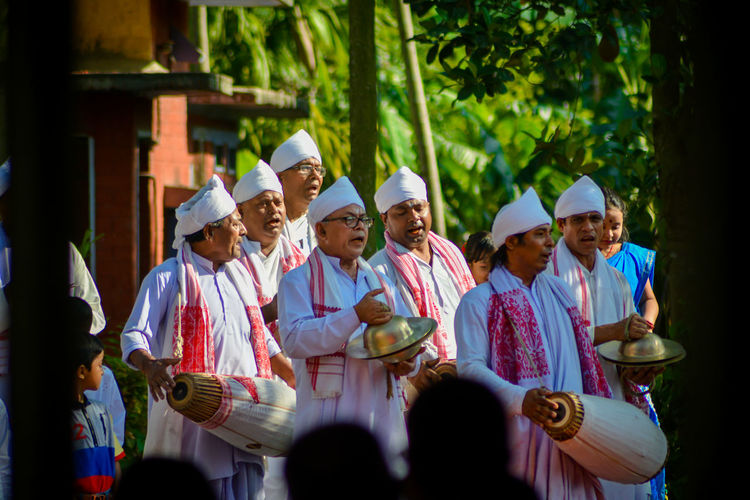 Traditional Instruments Assamese Traditional Assamese Culture City Musician Togetherness Arts Culture And Entertainment Senior Adult Celebration Men Tradition Traditional Clothing EyeEmNewHere