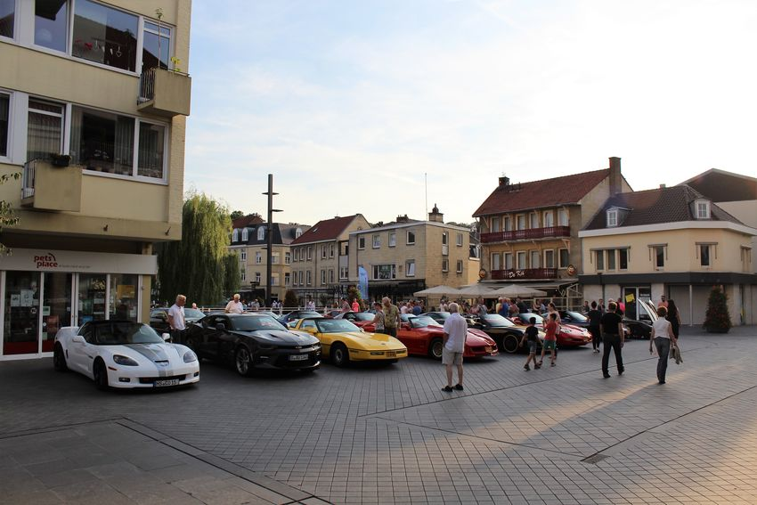 Architecture Architecture Building Exterior Built Structure Car Carevent Carporn Cars Corvette Corvette Fame 2017 Day Group Of People Land Vehicle Outdoors Parked Cars See What I See Streetphotography Transportation Valkenburg Walking Around Taking Pictures