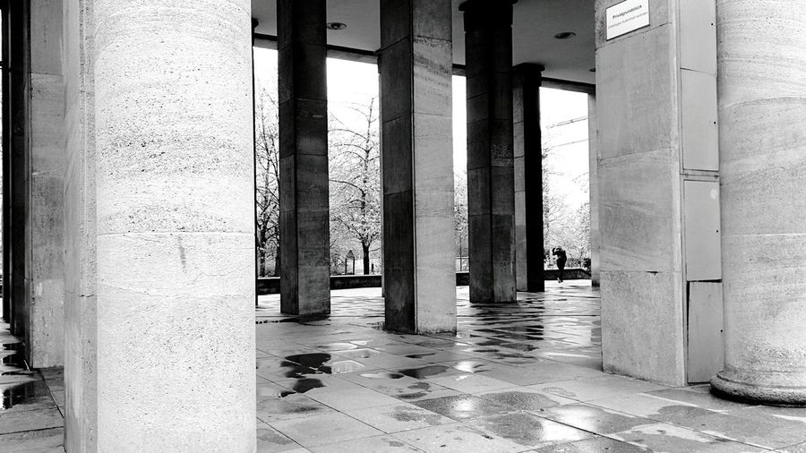 Day 296 - Columns Berlin Blackandwhite Streetphotography Streetphoto_bw Column 365florianmski 365project Day296