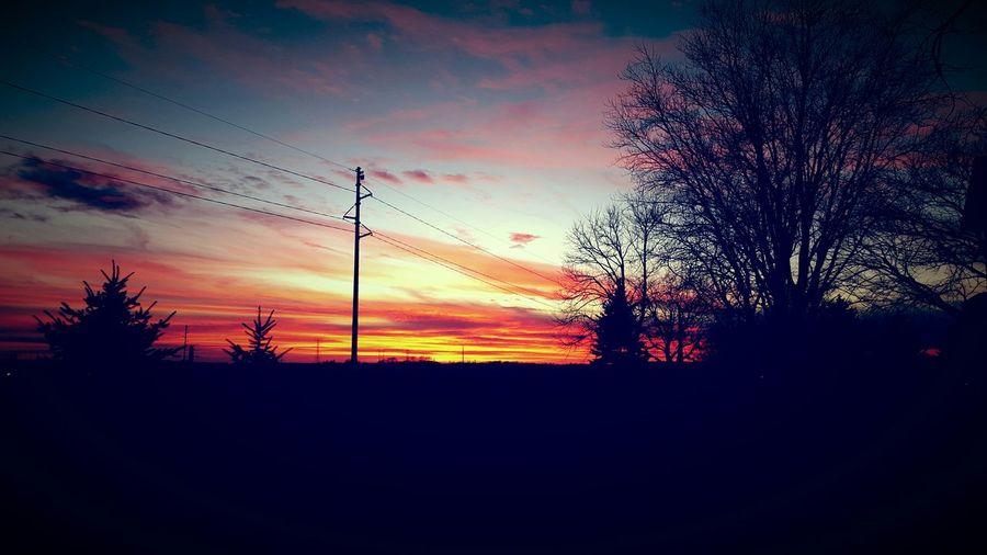 Sunset #sun #clouds #skylovers #sky #nature #beautifulinnature #naturalbeauty #photography #landscape Taking Photos Nature Cloud - Sky Bright Amazing View
