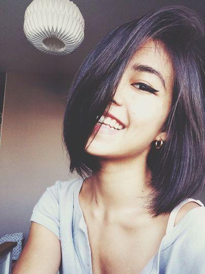 Smile Teeth Eye Liner Short Hair