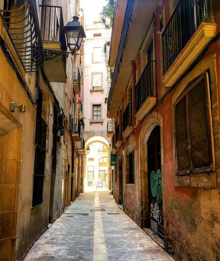 Barcelona City Residential Building House Sky Architecture Building Exterior Built Structure Old Town Narrow Pathway TOWNSCAPE
