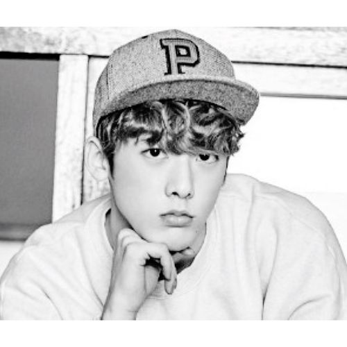 Sanha debuted in a boy group called 'ASTRO' in spanish it means, star! Kpop Yoonsanha Astro Astrokpop Sanha