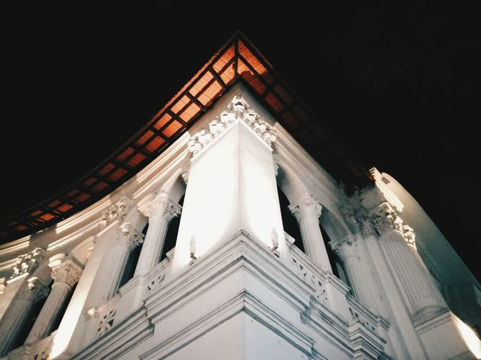 Singapore Art Museum was formerly a boys' school. The building was built in a classical style reminiscent of the European Renaissance Singapore Art Museum Singapore Architecture Museum Night Photography EyEmNewHere City Travel Religion Architecture Religion