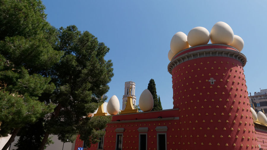 Teatre-museu Dalí SPAIN Dalí Dali Museum Museum Art Art Museum Surrealism Surrealist Art Tower Urban Urbanexploration Cityscape City Architecture Architecture_collection Tree Blue Sky City Tree History Sky Architecture Destinations