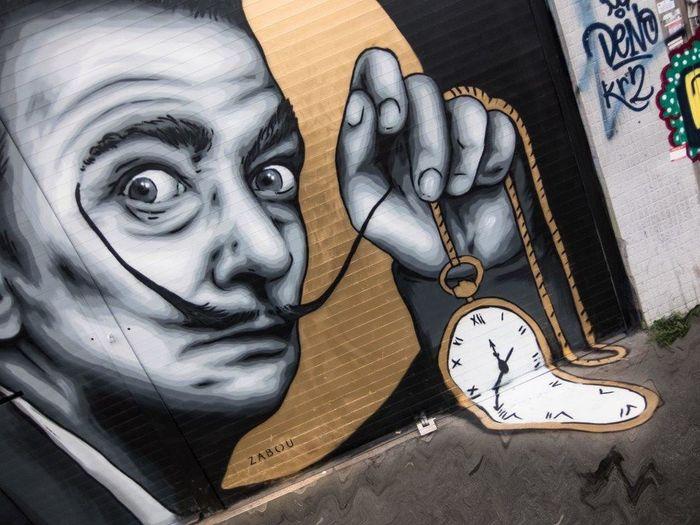 Salvador Dali Multi Colored Outdoors Spray Paint Arts And Crafts England🇬🇧 ArtWork Creativity Londra London LONDON❤ Art Spray Can Artwork Graffiti Streetart Street Art StreetArtEverywhere STRRET ART/GRAFFITI Graffiti Art Streetartphotography Urbanarts UrbanART Clock Close-up
