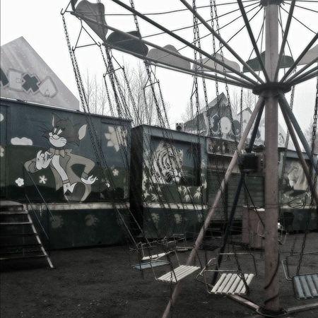 лунапарк карусель аттракцион мрак дно Amusementpark Carousel Carrousel Attraction Joy Cheers Cheer Mirk Murk Darkness Russia Russian