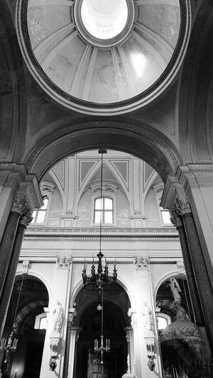 B&W. Dome. Cupola. Inside. Cathedral of Palermo. Palermo, Sicily, Italy. Black And White Blackandwhite Sony Sonyalpha Sony A6000 Cathedral Palermo Cathedral Cathedral Palermo Sicily Palermo Italy Light And Shadow EyeEm Selects Photographer Photo Photography City Arch Dome Place Of Worship Architecture Built Structure Historic Chandelier Cupola Architectural Feature Architectural Design Architecture And Art History Hanging Light Architectural Detail