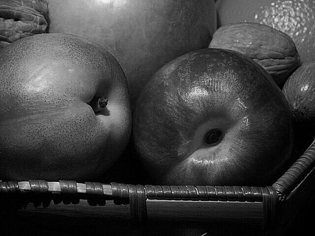 Painting With A Camera Still Life First Eyem Photo Creative Light And Shadow EyeEm Best Shots Shades Of Grey First Eyeem Photo Light And Shadow Relaxing Taking Photos Check This Out Photography Black & White