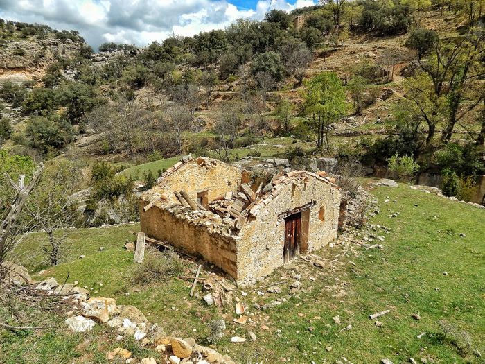 No People Outdoors Nature Damaged Bad Condition Desolate Scene Abandoned Architecture In The Forest Non-urban Scene Desolate Lost Places Aragón Teruel SPAIN The Secret Spaces