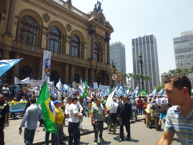 Street Campaigns during the Brazil Presidential Elections 2014 - downtown São Paulo in front of the Theatro Municipaç - October 23, 2014 AÉCIO Aécio45 Brazil Elections 2014 Brazil Presidential Campaigns Brazil Presidential Election Campaigns 2014 Crowds Dilma13 Excitements In The Air October 23, 2014 Susan A. Case Sabir Theatro Municipal De São Paulo Unretouched Photography Viaduto Do Cha Aeciopresidente45 City Of Sao Paulo Crowd Of People Downtown São Paulo Downtown São Paulo Em Frente Casas Bahia Orderly Campaigning Peaceful Campaign Presidential Election 2014 Brazil Real People Photography Street Photography Unexpected Outcome