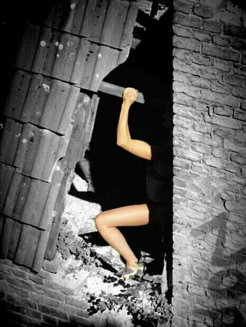 Posing in Ruins // Urbex // Stepanović Calendar 2014
