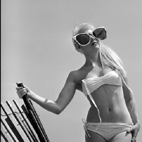 JunePickney & her BigSunglasses . 60s BeforeItWasCool LifeMagazine