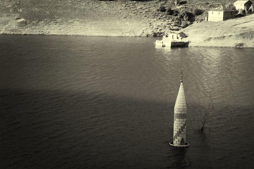 Minaret Gelevera Dam Black & White