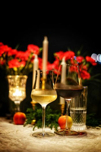 White Wine, Good Time Dinner Dinner Time No People No Person Night Black Background Wineglass Alcohol Drink Wine Party - Social Event Red Drinking Glass Defocused Celebration Red Wine Rose Wine White Wine Alcoholic Drink