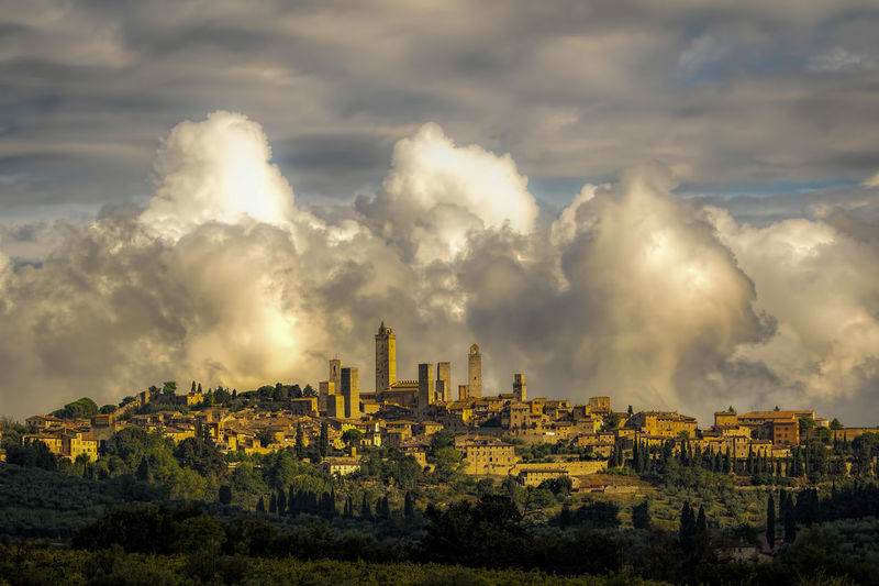 Architecture Building Exterior Built Structure Citiscape  Cloud - Sky Clouds & Sky Clouds And Sky Day Monument Monumental Buildings Monuments No People Outdoors Sky Travel Destinations Tuscany Lost In The Landscape