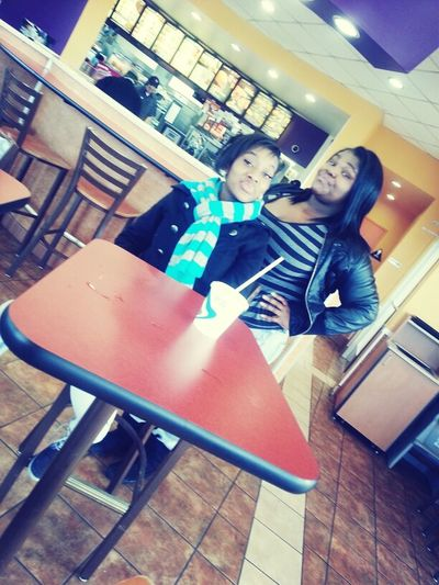 they thought they were straight thang at taco bell