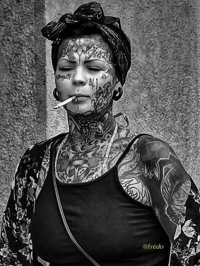 Tattoos Beautiful People Portrait Human Body Part Close-up Portraitist- 2017 Awards Eyeemoftheday Eyeemoftheweek Eyeemphotography Eyeem Of The Day Street Photos😄📷🏫⛪🚒🚐🚲⚠ EyeEm Selects Street City Life Outdoors The Street Photographer - 2017 EyeEm Awards Streetphotography EyeEm Best Shots Praha_life Beautiful Woman Women One Young Woman Only Young Women Praha2017 Street Artist Young Adult