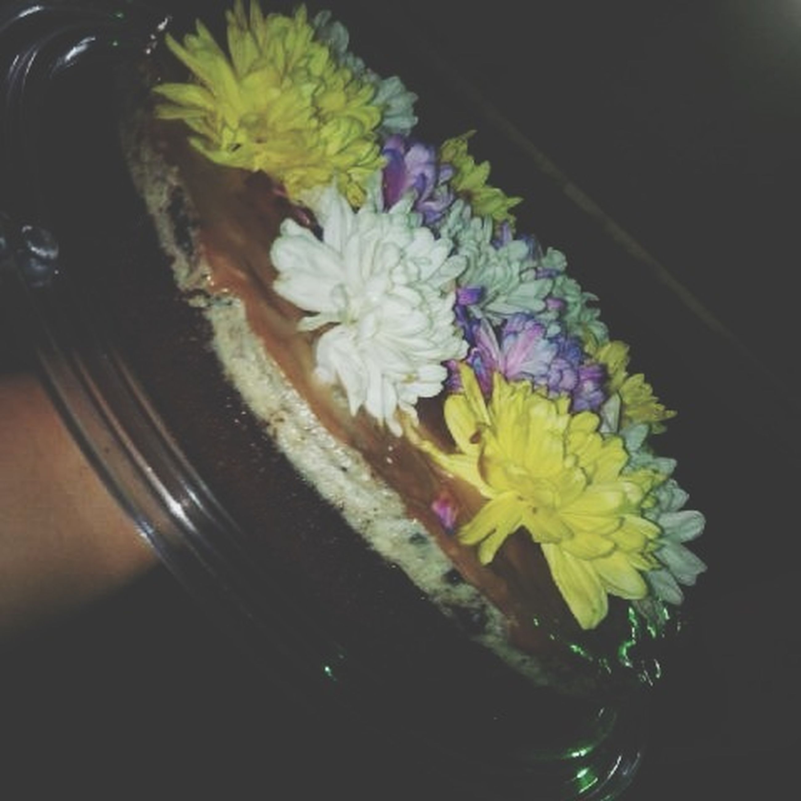 flower, petal, indoors, freshness, fragility, flower head, vase, close-up, yellow, high angle view, beauty in nature, decoration, white color, bouquet, bunch of flowers, flower arrangement, plant, nature, potted plant, no people