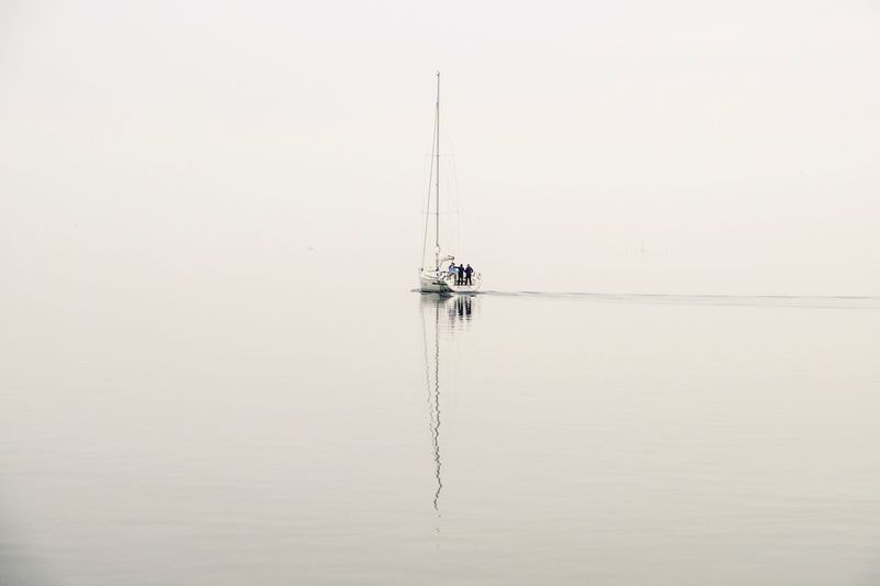 ✨Lost✨18 Sailing Sailing Ship Am Wasser Segeln Nebel Landschaft Getting Creative Segelboot Sailing Boat My Year My View Waterfront Tranquility Sky Wonderland✨ Landscape Travel Simplicity EyeEm Nature Lover Minimalism Light And Shadow Foggy Day Thank You My Friends✨ ✨✨😊😊✨✨ Thankful✨ Fresh on Market 2016 Fresh On Market 2016