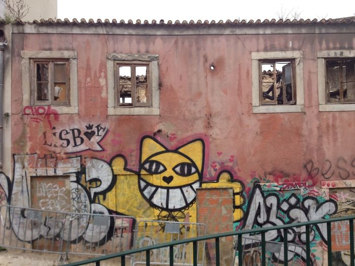 Monsieur chat Abandoned Graffiti Lisboa M. Chat Monsieur Chat No People Pink Wall Street Art/Graffiti