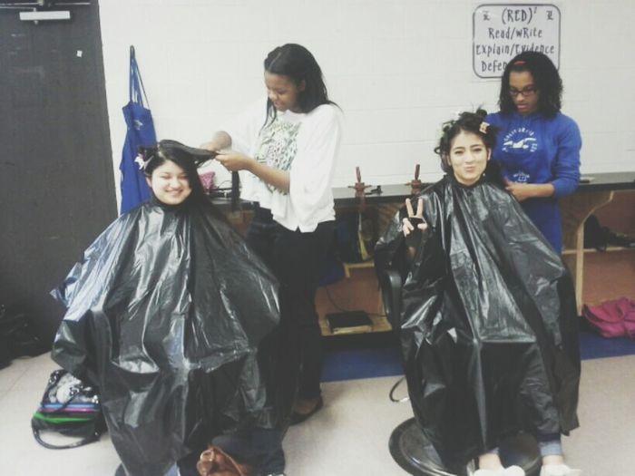 Cosmetology Doing Hair I Look Tall  Mi Mensa ^.^