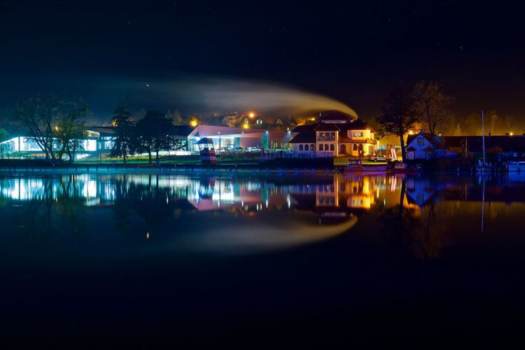 The Comet Longexposure Tranquility Mikołajki Poland Night Lights Nightphotography Night Illuminated Reflection Architecture Built Structure Water Sky City Waterfront River Nightlife Glowing Outdoors