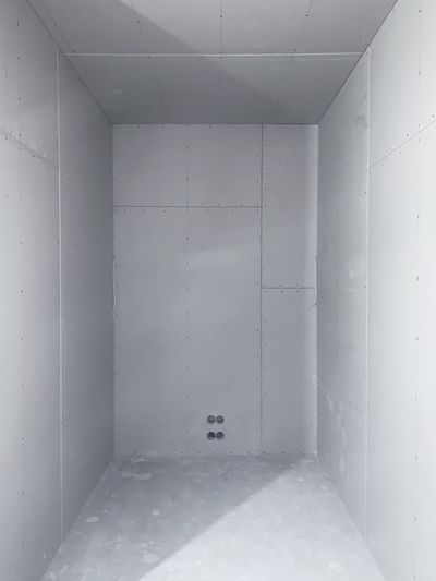 Interior Views Textures and Surfaces Lines And Angles Interior Photography Walls Wall Interior Design Sockets Tiny Room Lines And Shapes Indoors  Architecture No People Domestic Room Wall - Building Feature White Color Built Structure Building Empty Day Ceiling Absence Flooring Concrete Home Improvement